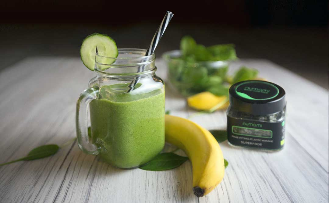 Morning Green Smoothie for Beginners with Wakame